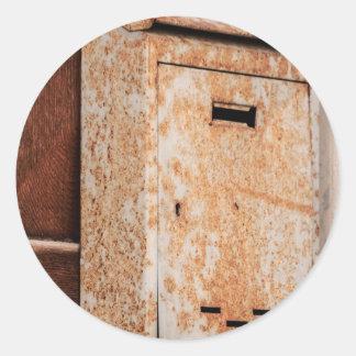 Caixa postal oxidada fora adesivo redondo