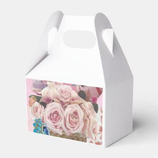 Caixa rosa pálido do favor dos rosas da couve