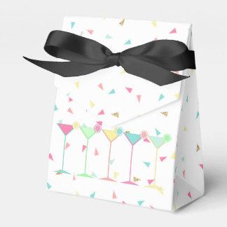 Caixas do favor do aniversário, confetes,