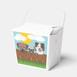 Caixinha Cães afortunados da ilustração em uma cerca de