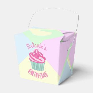 Caixinha Cupcake cor-de-rosa feito sob encomenda do