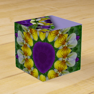 Caixinha De Lembrancinhas Amor perfeito, natureza dos Pansies, Flor-Mandala