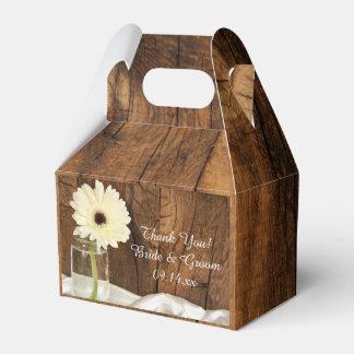 Caixinha De Lembrancinhas Casamento de madeira do celeiro da margarida