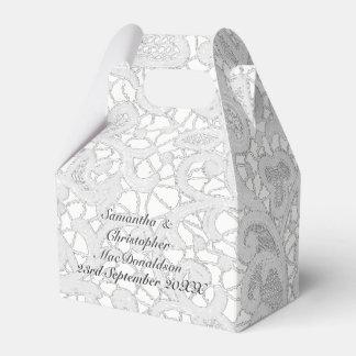 Caixinha De Lembrancinhas Casamento tema damasco filigrana branco do laço