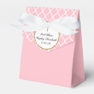 Caixinha De Lembrancinhas Cruz do ouro no costume religioso cor-de-rosa