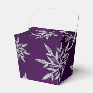 Caixinha De Lembrancinhas Estrelas roxas do Natal com o cristal de gelo