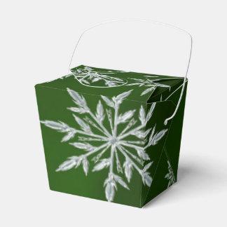 Caixinha De Lembrancinhas Estrelas verdes do Natal com o cristal de gelo