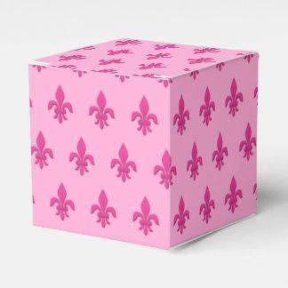 Caixinha De Lembrancinhas Flor de lis no rosa fúcsia na luz - rosa