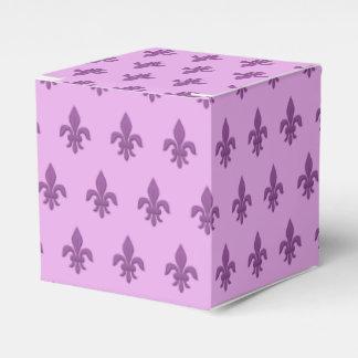 Caixinha De Lembrancinhas Flor de lis no roxo violeta na lavanda
