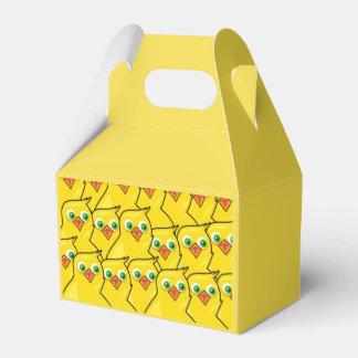 Caixinha De Lembrancinhas Galinhas amarelas brilhantes bonitas da páscoa