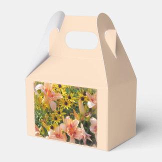 Caixinha De Lembrancinhas Lírios do jardim e flores do cone