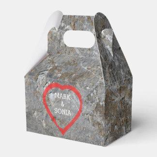 Caixinha De Lembrancinhas Noivos cinzelados pedra do coração