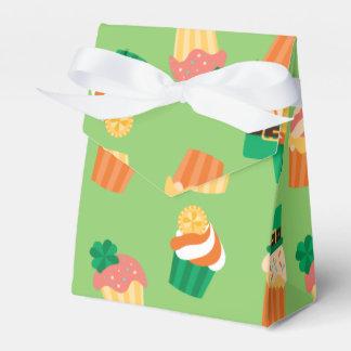 Caixinha De Lembrancinhas Teste padrão alaranjado verde engraçado bonito do