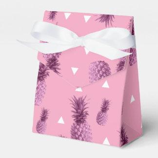 Caixinha De Lembrancinhas Teste padrão cor-de-rosa tropical dos triângulos