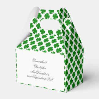 Caixinha De Lembrancinhas Teste padrão irlandês verde do trevo