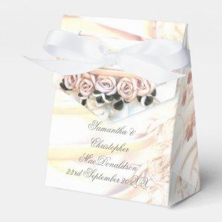 Caixinha De Lembrancinhas Vestido de casamento romântico do rosa do pêssego