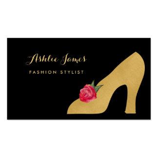 Calçados chiques do ouro do falso com o estilista cartão de visita