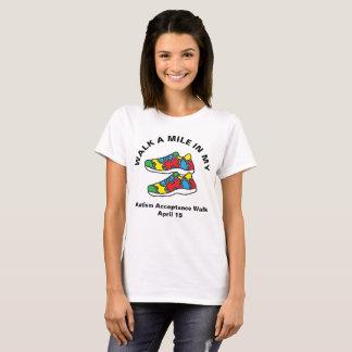 Calçados da caminhada do mês da consciência do camiseta