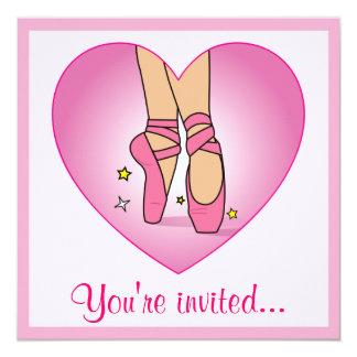 Calçados de balé do considerando da dança no convite personalizado