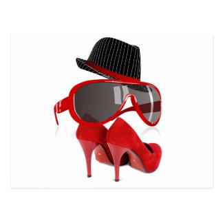 Calçados & vidros vermelhos do chapéu das senhoras cartão postal