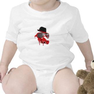 Calçados & vidros vermelhos do chapéu das senhoras macacãozinho para bebês