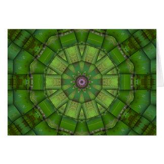 Caleidoscópio verde do mosaico cartão de nota