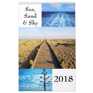 Calendário de parede do mar, da areia e do céu