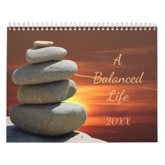 Calendário equilibrado empilhado das rochas