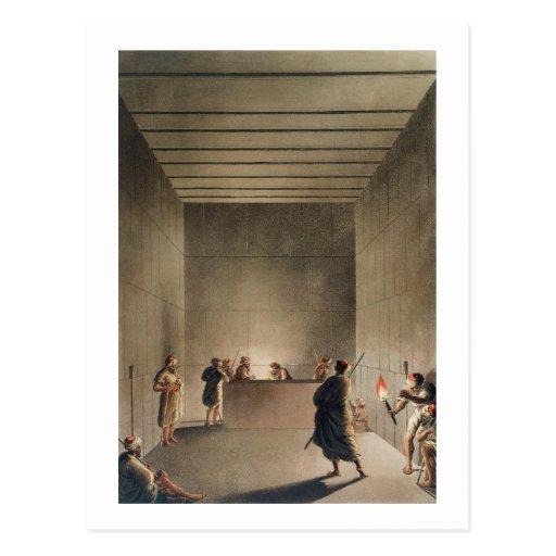 Câmara e sarcófago na grande pirâmide do soldado cartões postais