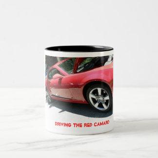 Camaro vermelho caneca de café em dois tons