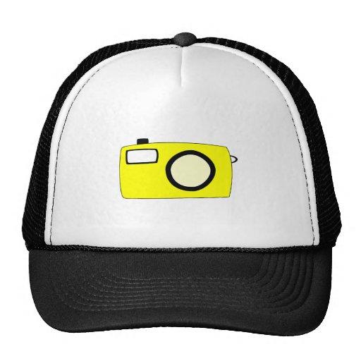 Câmera amarela brilhante. No branco Bone