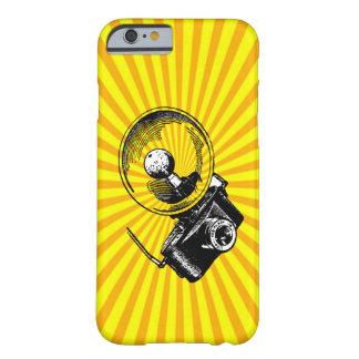 Câmera legal do vintage no Sunburst Capa Barely There Para iPhone 6