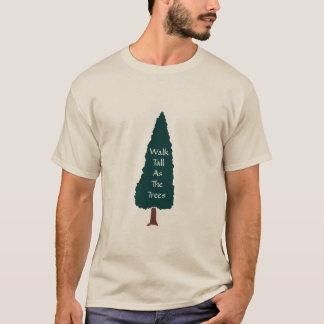 Caminhada alta como as árvores - t-shirt camiseta