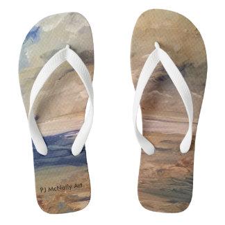 Caminhada da linha costeira da manhã nos chinelos… chinelos