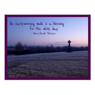 Caminhada da manhã (cruz celta de Tullamore) Cartão Postal