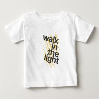 Caminhada na luz camisetas