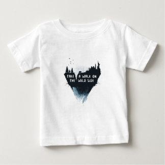 Caminhada no lado selvagem camiseta para bebê