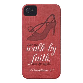 Caminhada por citações do verso da bíblia do 5:7 capa para iPhone 4 Case-Mate