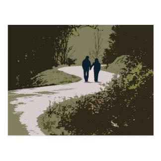caminhada romântica com o casal que guardara as cartão postal