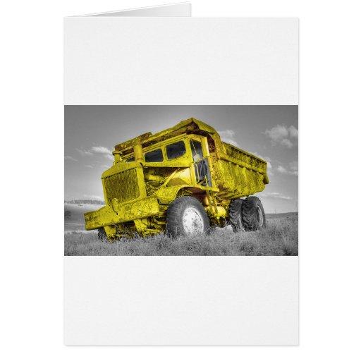 Caminhão amarelo cartão