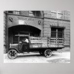 Caminhão antigo da cerveja, 1920 poster
