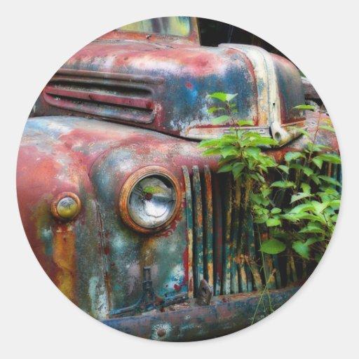 Caminhão antigo velho oxidado adesivos em formato redondos