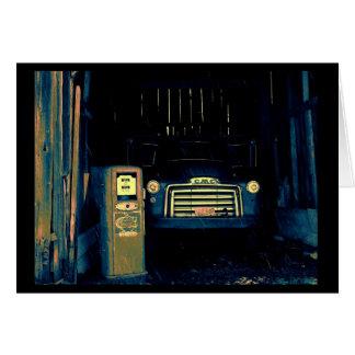 Caminhão de GMC do vintage & bomba de gás Cartão Comemorativo