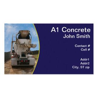 Caminhão do cimento no canteiro de obras modelo cartões de visita