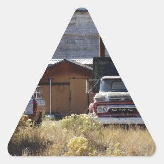 Caminhão do rancho adesivo triangular