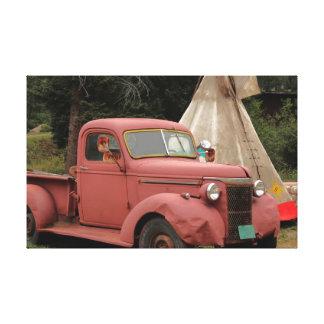 Caminhão e Teepee velhos Impressão Em Canvas