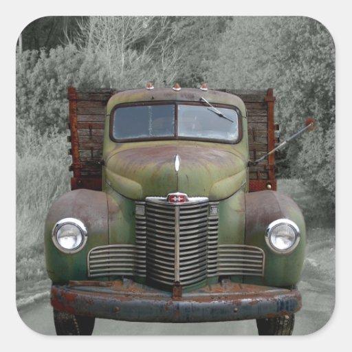 Caminhão internacional verde velho adesivo em forma quadrada