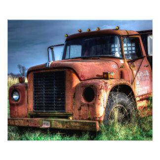 Caminhão internacional vermelho rústico da madeira impressão de foto
