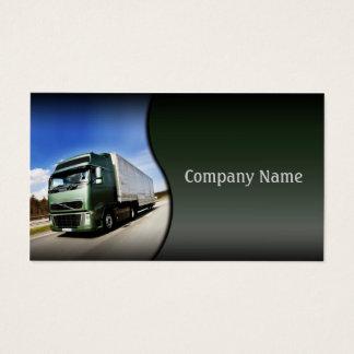 Caminhão verde no cartão da estrada