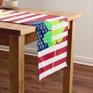 Caminho De Mesa Grande Bandeira americana do trevo de St Patrick EUA